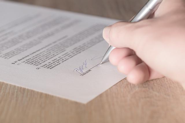 Comment résilier un contrat de réexpédition ?